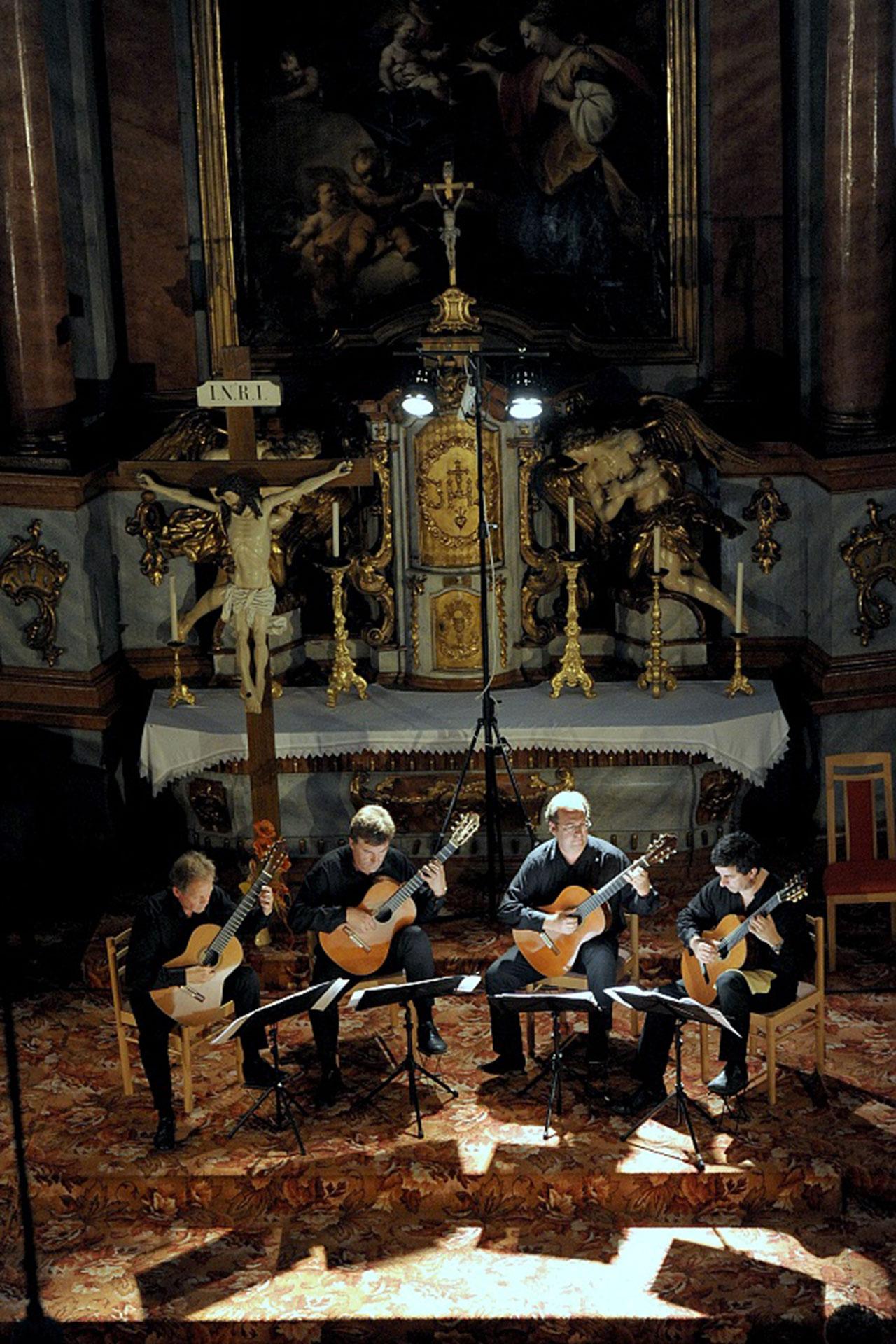 capalest-quatour-de-guitares-de-versailes-15-08-13-fotocluzina-6-2